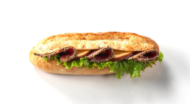 大山ペッパーシンケンとオランダフリコのスモークチーズのカスクートサムネイル