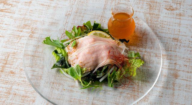 やわらかポークと淡路産ワカメのサラダ レモンジュレドレッシングサムネイル